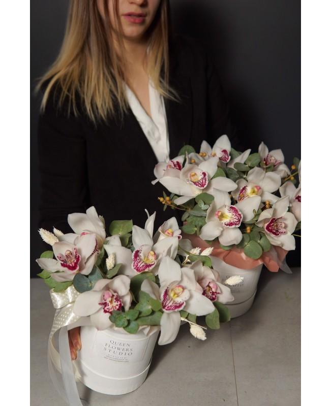 Коробка с орхидеями №50